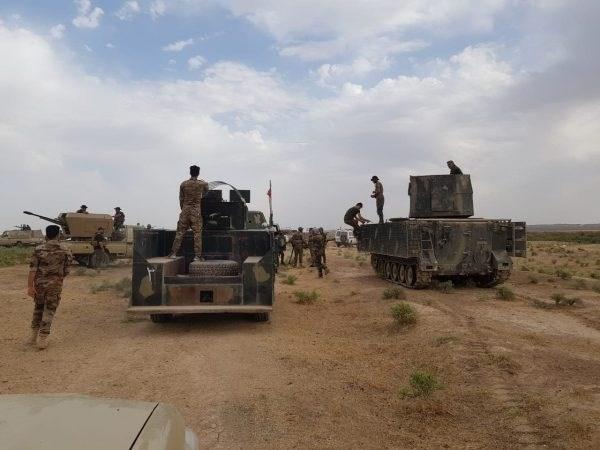 الحشد الشعبي يلقي القبض على 17 عنصراً من داعش في الموصل