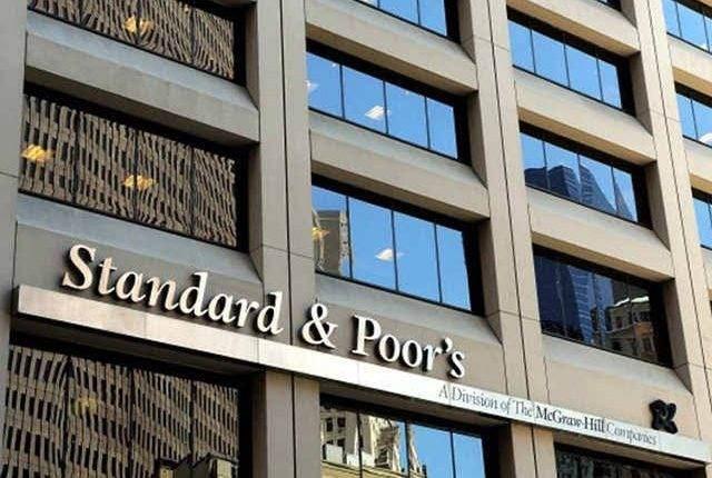 """""""ستاندرد آند بورز"""": العجز المالي في أبو ظبي سيرتفع  إلى  12%"""