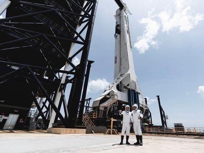 إنطلاق أول رحلة أميركية مأهولة للفضاء منذ عام 2011