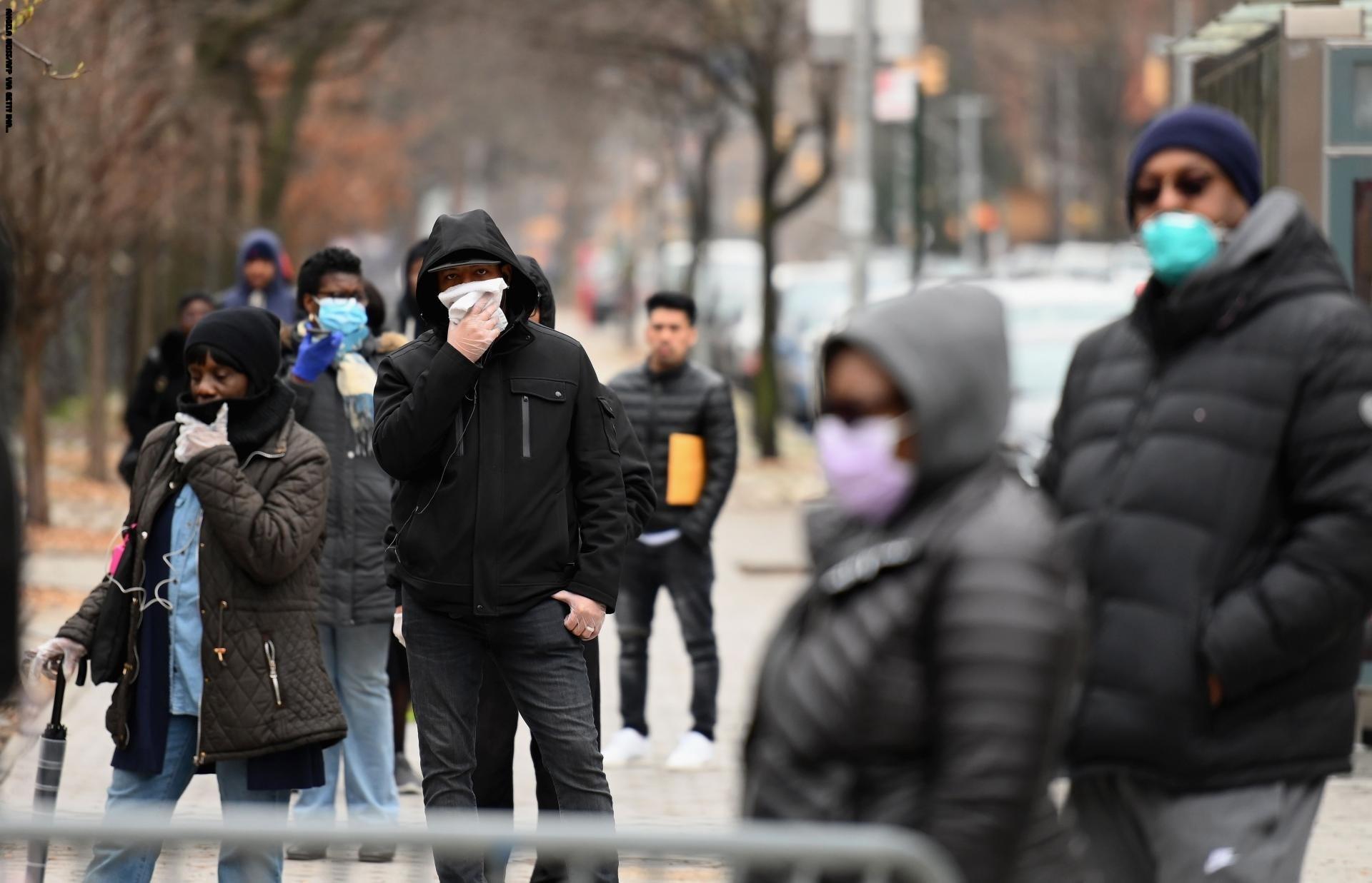 حاكم ولاية نيويورك: الفيروس الذي ضرب بلادنا أوروبي الهوية