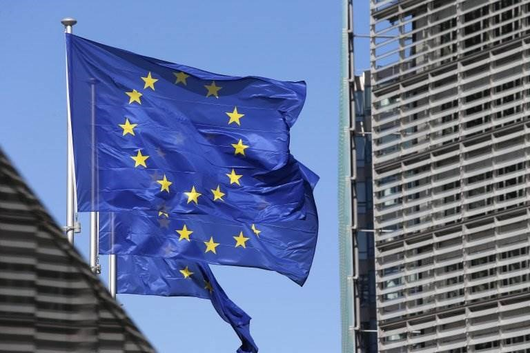 """""""المفوضية الأوروبية"""": زعماء العالم  تعهدوا بتقديم 8 مليارات دولار لمواجهة كورونا"""