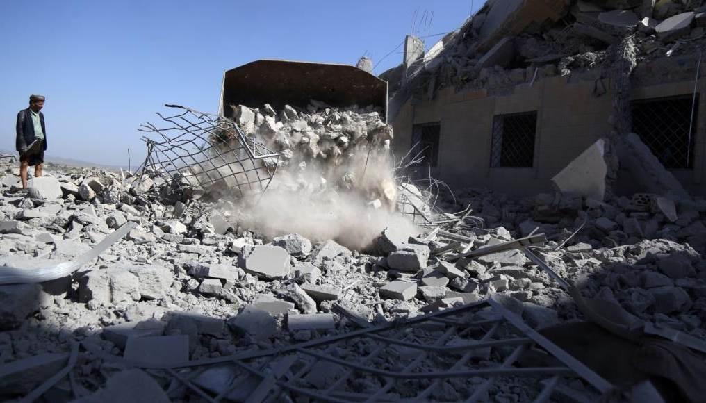 قوات التحالف تواصل قصف منازل المدنيين في اليمن