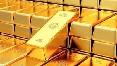 أسعار الذهب تنخفض في السوق العالمية