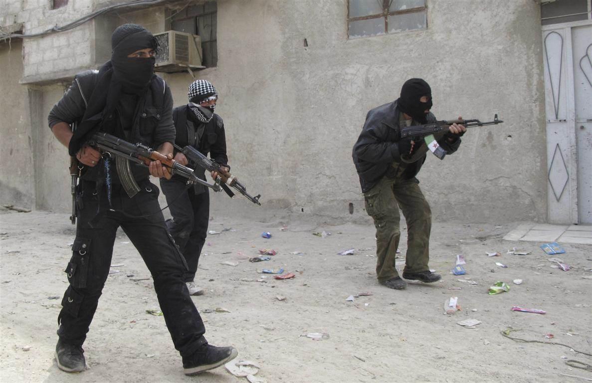 """""""المرصد السوري المعارض"""": تركيا أرسلت 7850 مسلحاً من سوريا إلى ليبيا"""