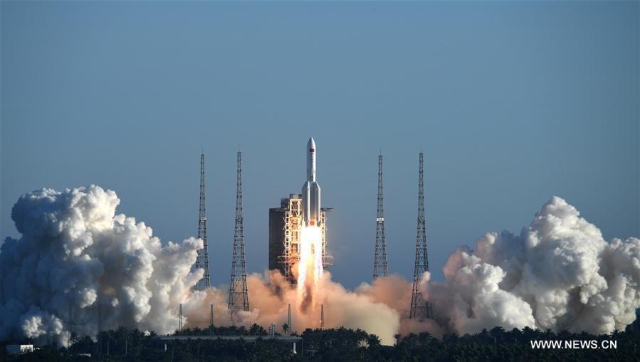 """الصين تدشن """"الخطوة الثالثة"""" لبرنامج الفضاء المأهول"""