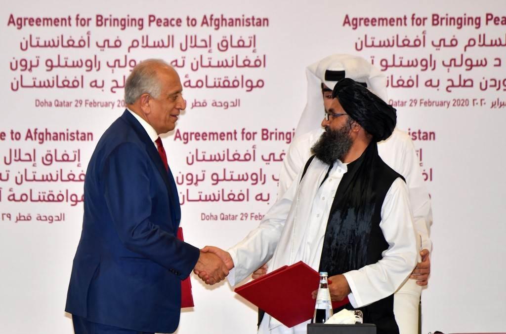 المبعوث الأميركي لأفغانستان في قطر لحثّ طالبان على تنفيذ اتفاق السلام