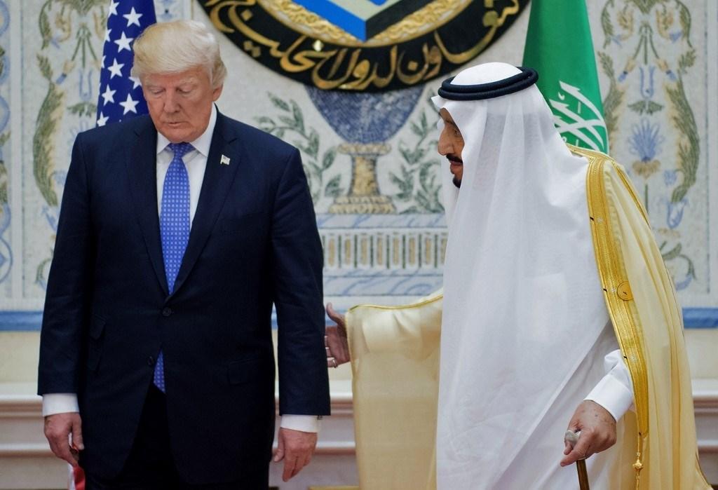 ترامب والملك السعودي يبحثان إعادة تنشيط الاقتصاد العالمي