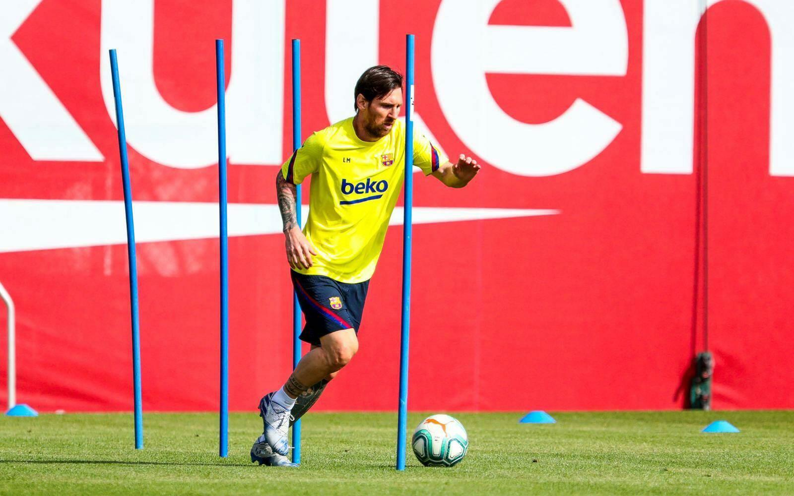 بعد 56 يوماً.. برشلونة يعود للتدريبات