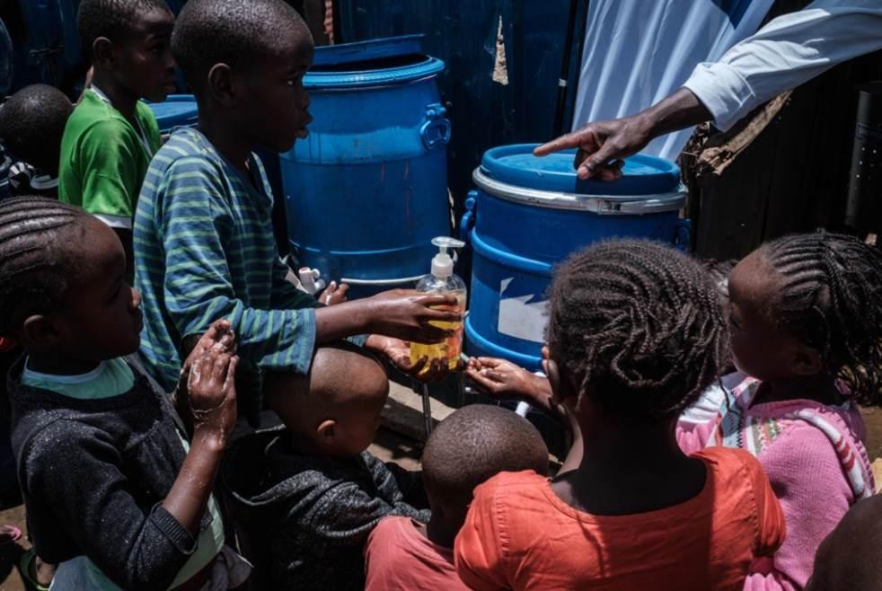 منظمة الصحة العالمية: 190 ألفاً عرضة للوفاة بكورونا في أفريقيا