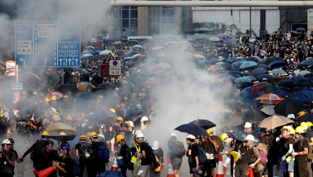 تظاهرات في هونغ كونغ تنديداً بالتدخل الأميركي في البلاد