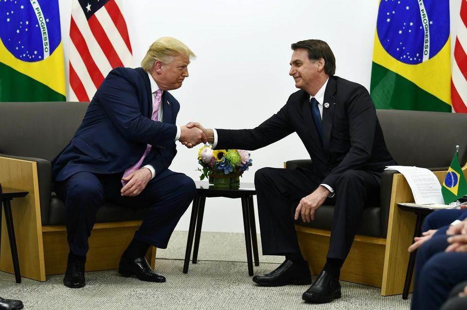 """رغم التحذيرات.. أميركا ترسل إلى البرازيل مليوني جرعة من عقار """"هيدروكسي كلوروكين"""""""