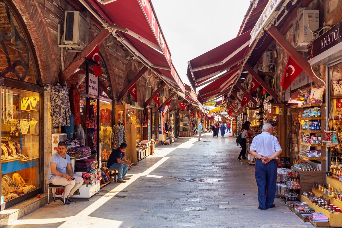 رفع بعض القيود في تركيا وإعادة فتح البازار الكبير في اسطنبول