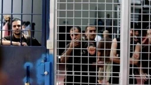 3 أسرى يدخلون اليوم أعواماً جديدة في سجون الاحتلال