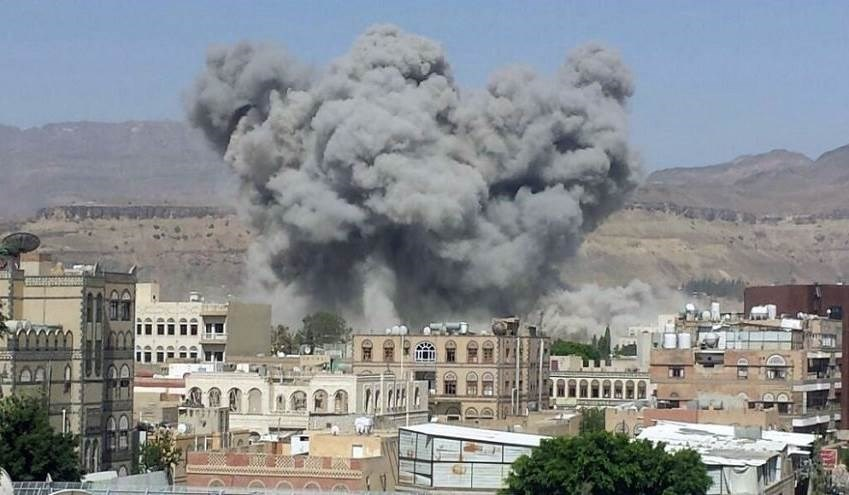 87 قذيفة مدفعية على مناطق سيطرة القوات المسلحة اليمنية في الحديدة