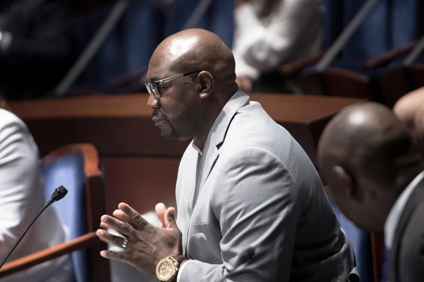 شقيق فلويد مخاطباً الكونغرس: أطلب منكم وضع حدٍّ لمعاناة ذوي البشرة السوداء!