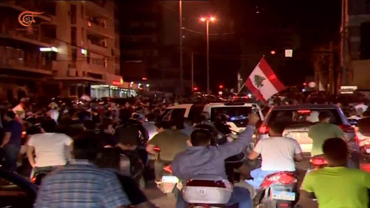 الحكومة اللبنانية تجتمع بشكلٍ طارئ غداً.. واحتجاجات بسبب تدهور الليرة