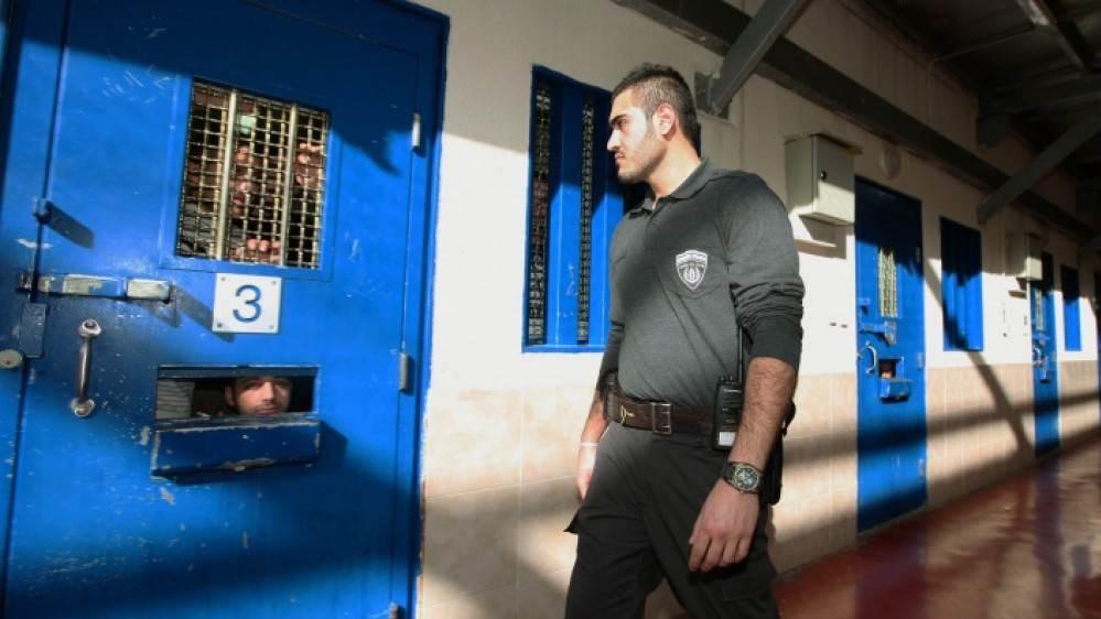 الأسير طارق صلاح يدخل اليوم عامه الـ16 في سجون الاحتلال