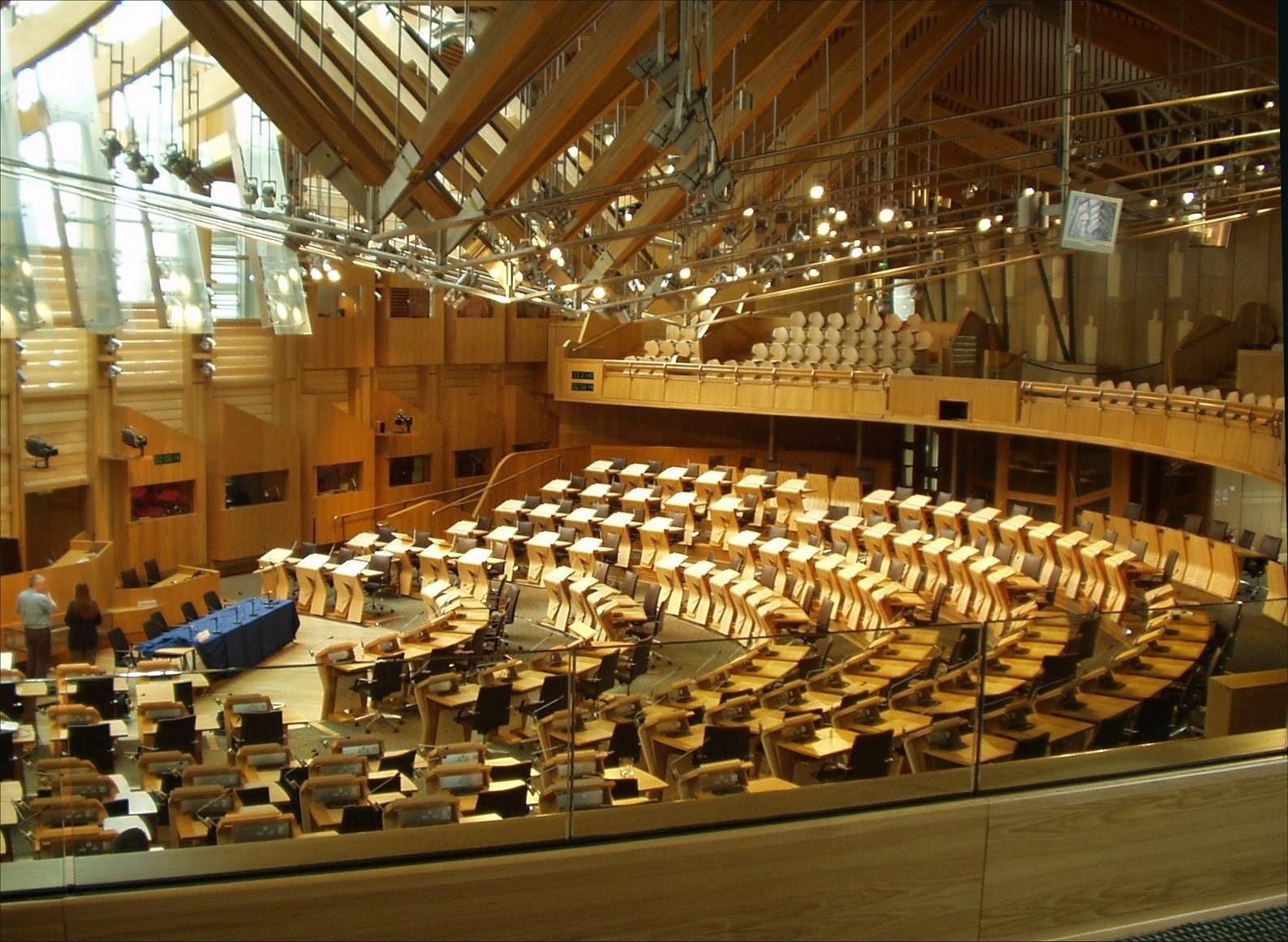 البرلمان الاسكوتلندي يوافق على تعليق صادرات معدات مكافحة الشغب لأميركا