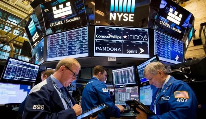 بسبب هبوط الأسهم الأميركية.. ثروات الأسر تتراجع