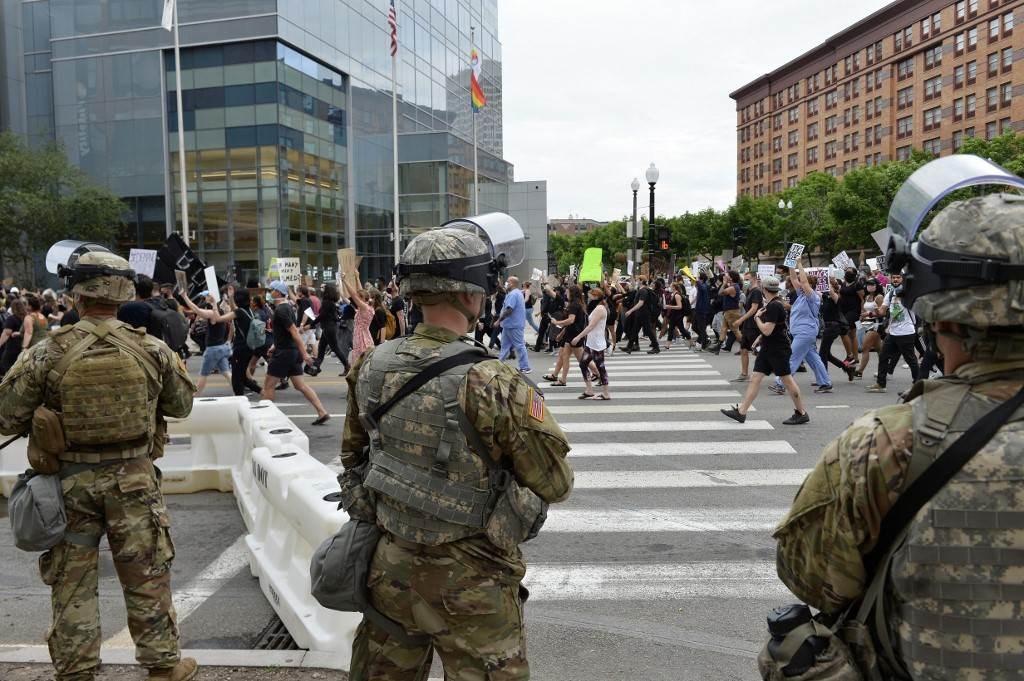 الحرس الوطني الأميركي يخفض وجود قواته 50% بعد أيام من الاحتجاجات