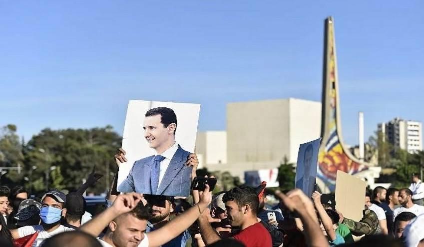 """آلاف السوريين يحتجون على """"قانون قيصر""""  الأميركي"""