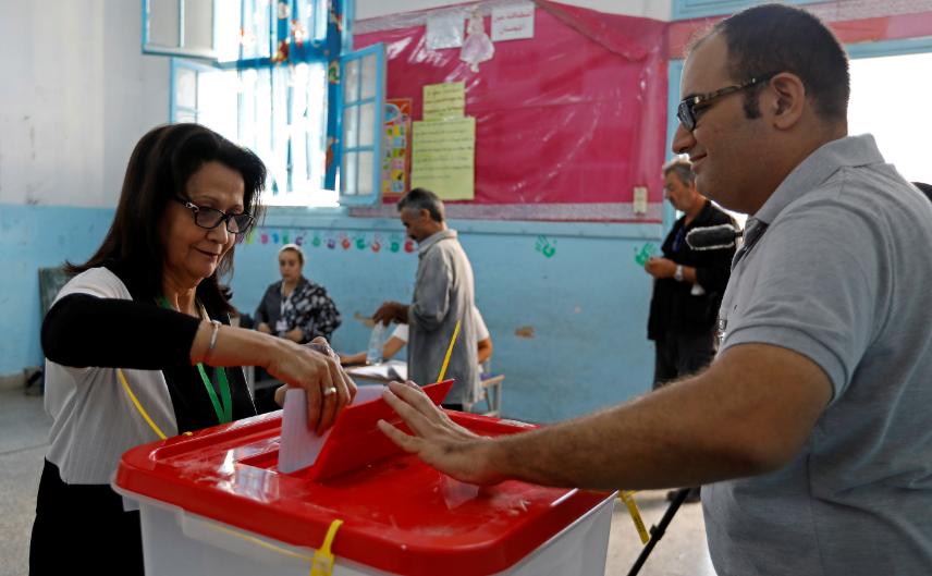 صفحات مشبوهة في تونس أثّرت على نوايا الناخبين التونسيين في انتخابات-2019