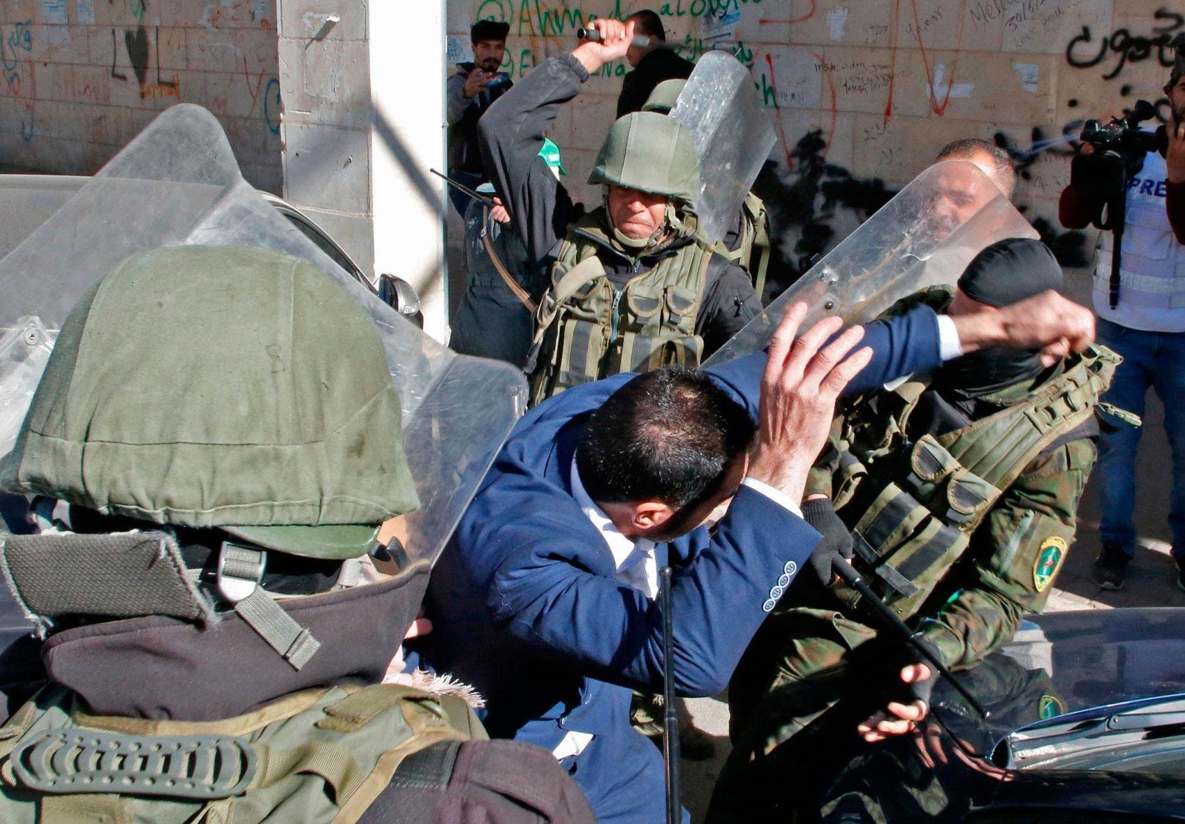 الاحتلال الإسرائيلي يحاول السيطرة على المنطقة الشمالية للمسجد الإبراهيمي