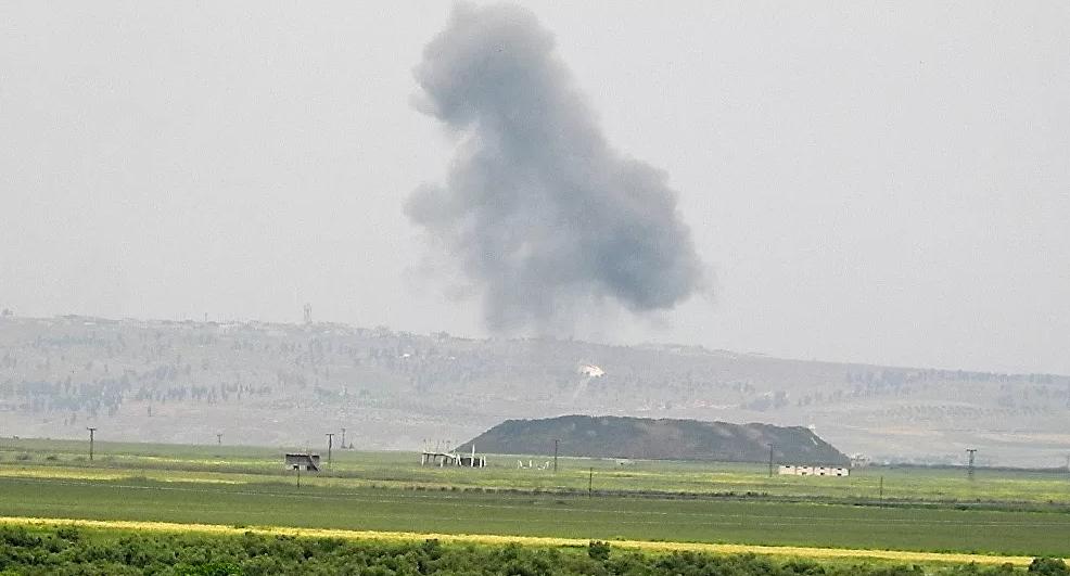 الطيران الحربي السوري يستهدف رتلاً لمسلحين بجبل الزاوية جنوب إدلب