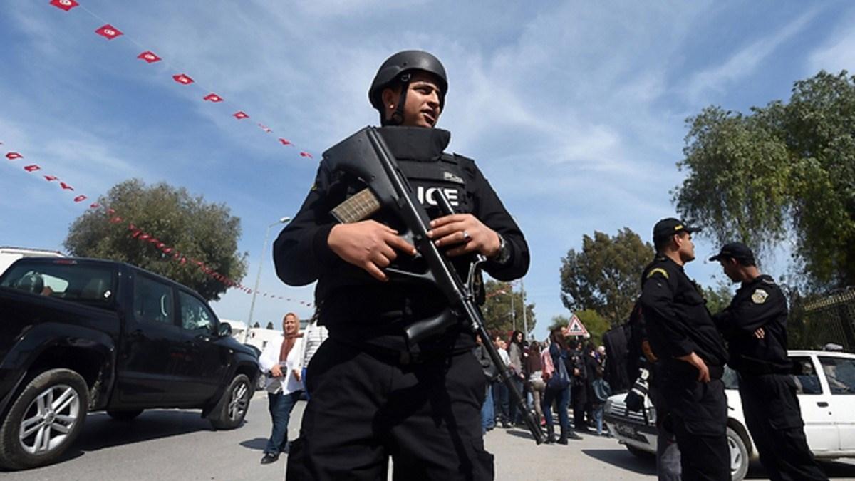 """الأمن التونسي يغلق ساحة """"باردو"""" في وجه المعتصمين"""
