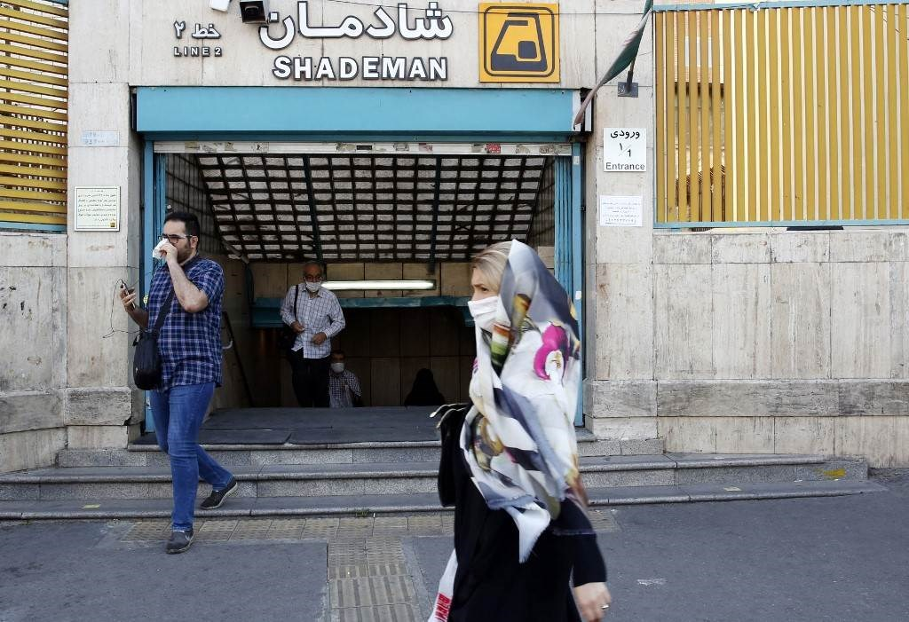 وزارة الصحة الإيرانية تحذّر من ارتفاع أعداد الوفيات بكورونا