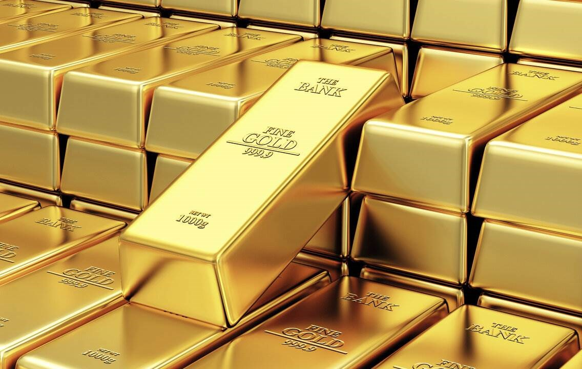أسعار الذهب تنخفض مع صعود الدولار