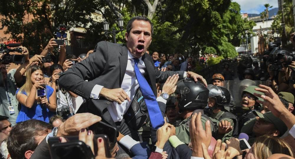 أنصار غوايدو ينسحبون من الانتخابات التشريعية في فنزويلا
