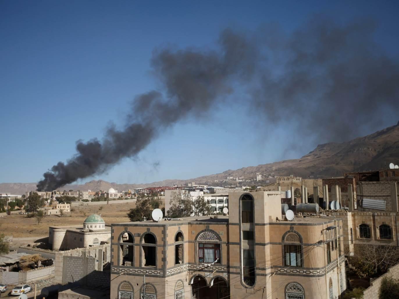 بعد سيطرة الجيش اليمني على مناطق في مأرب... غارات للتحالف على صنعاء