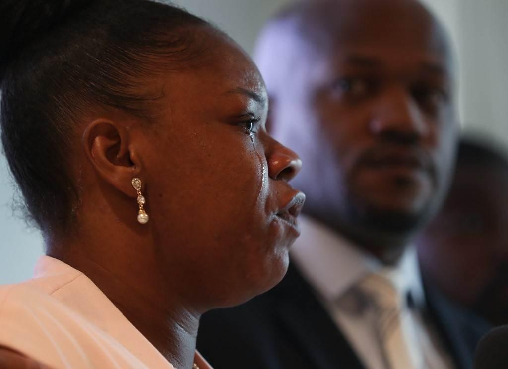 """توجيه تهمة """"القتل"""" إلى الشرطي الذي قتل الأميركي-الأفريقي بروكس"""