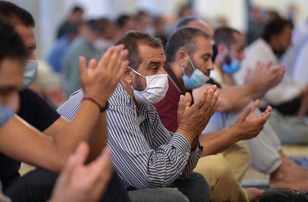 تونسيون يرفضون فتح الحدود ويطلقون حملة على مواقع التواصل الاجتماعي