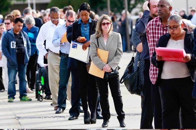 طلبات إعانة البطالة الأميركية تظل مرتفعة مع موجة ثانية من التسريح