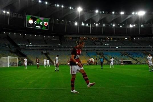 """كرة البرازيل تشرق مجدّداً من ملعب """"ماراكانا"""""""