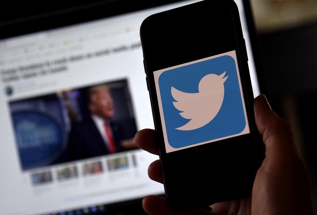"""في ثالث إجراء لها ضده.. تويتر تصنّف فيديو نشره ترامب بـ""""إعلام متلاعب فيه"""""""