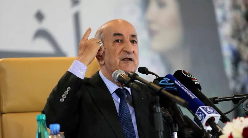 """تبون يؤكد وقوفه بالمرصاد ضد """"اللوبيات"""" التي تستهدف الجيش الجزائري"""