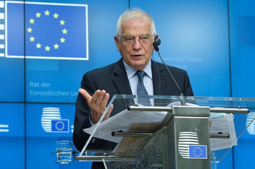 الممثل الأعلى للشؤون الخارجية بالاتحاد الأوروبي جوزيب بوريل في مؤتمر صحفي يوم 16 يونيو 2020 (أ.ف.ب)