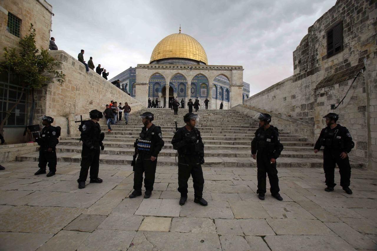 قوات الاحتلال تواصل حملة مداهماتها في الضفة الغربية والقدس المحتلة