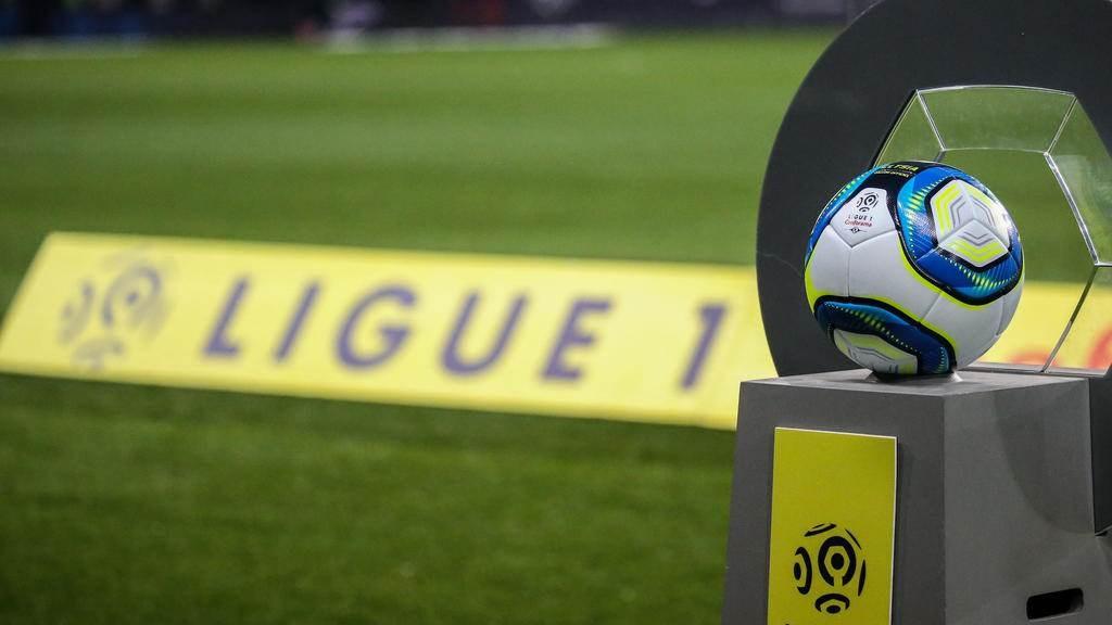 الدوري الفرنسي: 20 فريقاً في