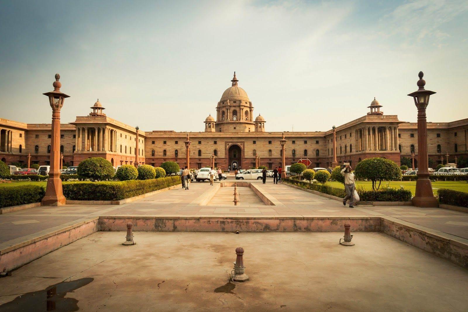 الهند تطرد نصف الدبلوماسيين الباكستنيين من أراضيها