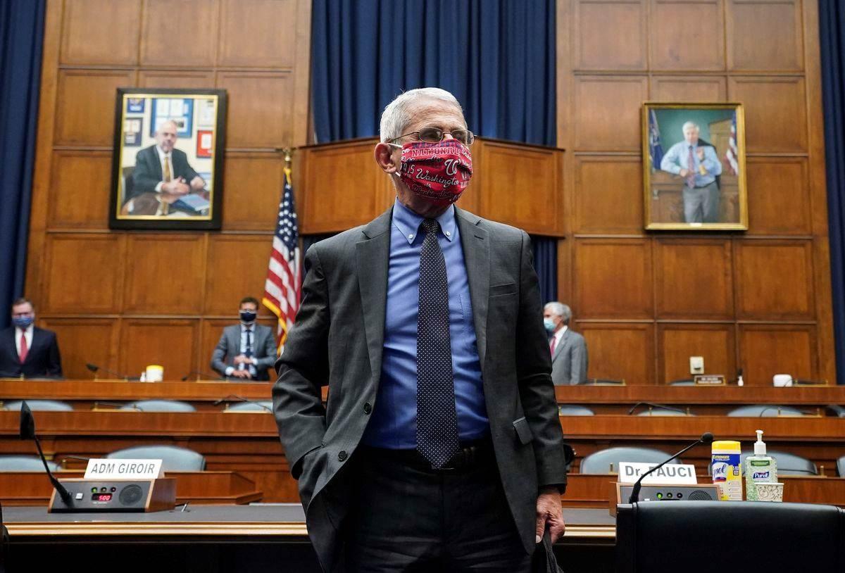 شهد فاوتشي أمام لجنة في الكونغرس تحقق في تعامل الإدارة الأميركية مع الوباء