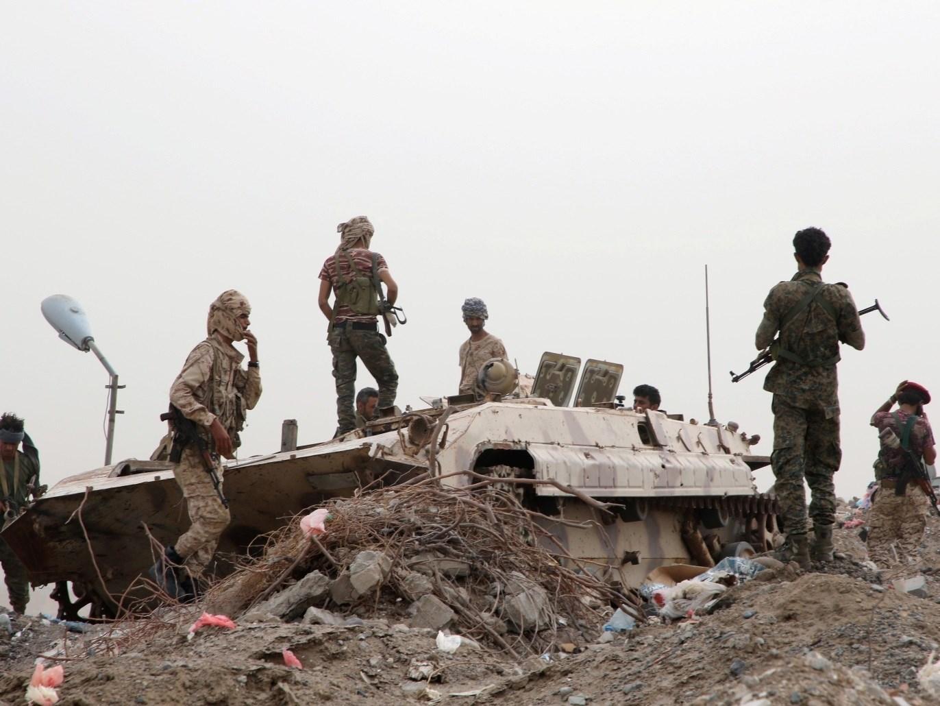 الاشتباكات تجددت بين قوات المجلس الانتقالي وقوات هادي في أبين