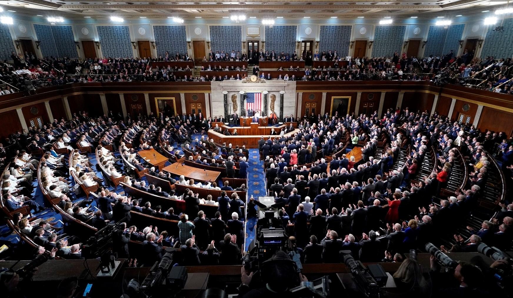 لا يزال على مجلس النواب أن يصادق على القانون الذي يسمح بفرض عقوبات أميركية على مسؤولين صينيين