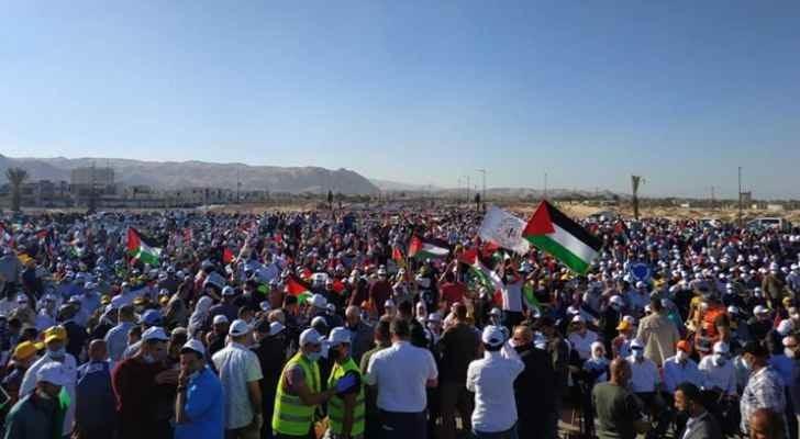 استخدم الاحتلال الغاز المسيل للدموع لتفريق آلاف الفلسطينيّين في قرية فصايل بغور الأردن