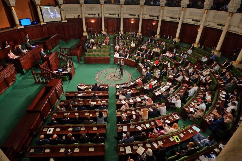 جلسة برلمانية في العاصمة التونسية (أ ف ب).