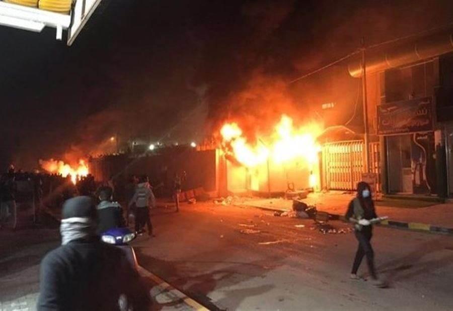 محتجون ينفذون أعمال تخريب وحرق لعدد من المحلات في وسط بروت بتمويل وتوجيه من الخارج