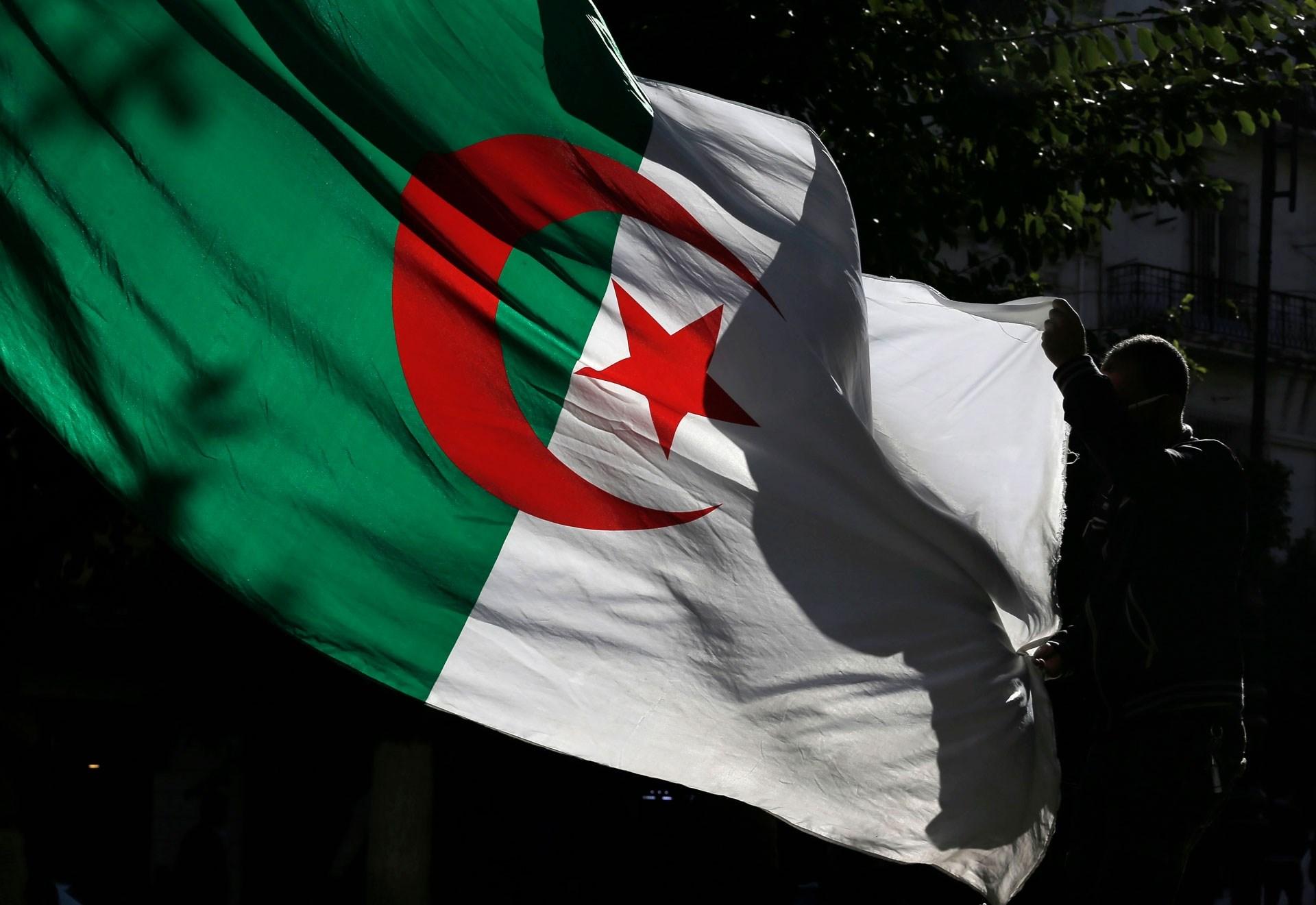 الجزائر مصممة على تغطية 70% من احتياجاتها من الأدوية خلال سنتين